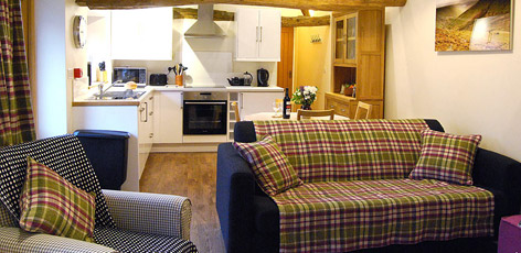 Ty Newydd Holidays, a Farmhouse Bed and Breakfast and Self Catering cottages in the Brecon Beacons National Park